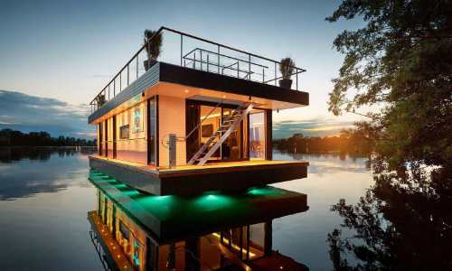 luxury-floating-penthouse-on-the-water_1-768x461